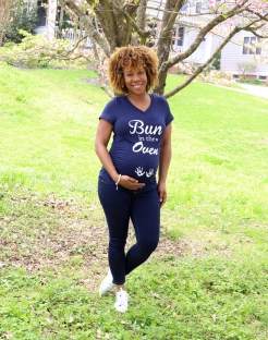29 weeks - T-shirt: Ross - Denim: Motherhood Maternity - Shoes: Nike